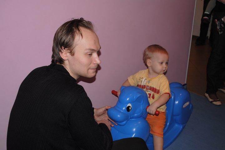 лошадка в детском центре