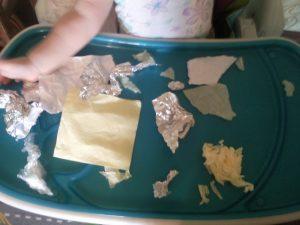 игры с бумагой для малышей