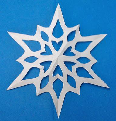 Как делать снежинки из бумаги?