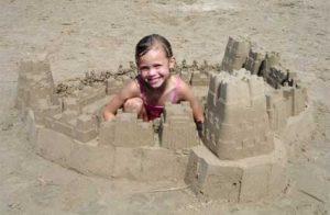 Как можно играть с песком и водой?