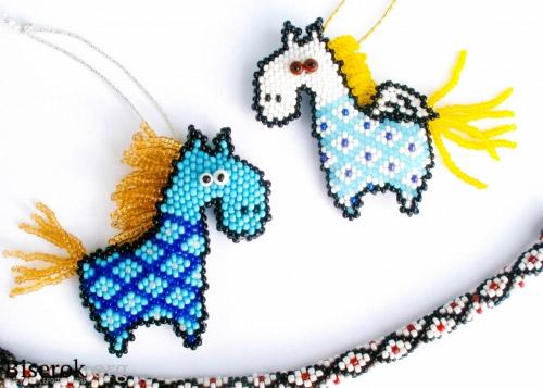 лошадки из бисера