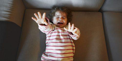 малыш плачет ночью2