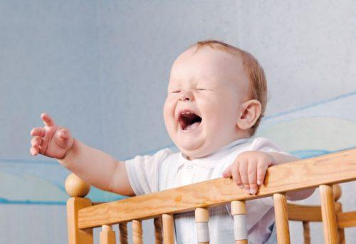 малыш плачет ночью3