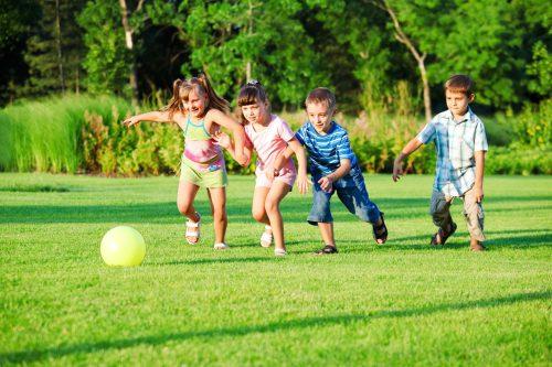 картинки дети играют в мяч3