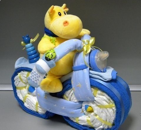 торт из памперсов в виде мотоцикла