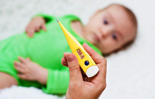 у ребенка температура после манту