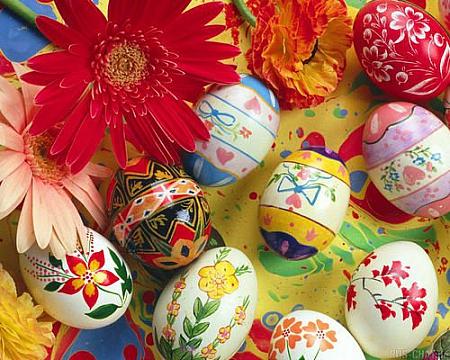 раскрашиваем яйца с детьми3