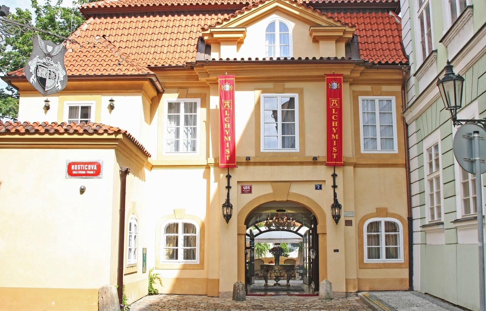 Alchymist nosticova palace отель